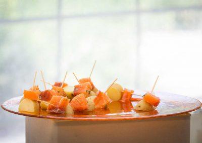 galerie Photos Val de Loir traiteur - saumon fumé maison et pommes de terre grenailles